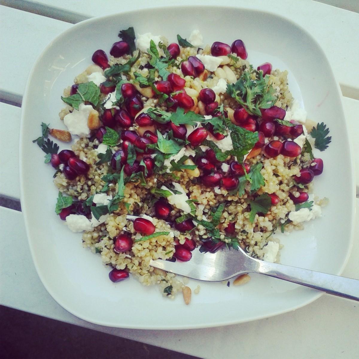 Zomerse quinoa salade met granaatappel