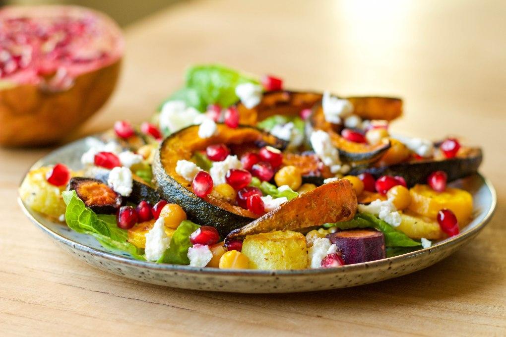 salade-pompoen-wortel-granaatappel-geitenkaas-personal-foodcoaching