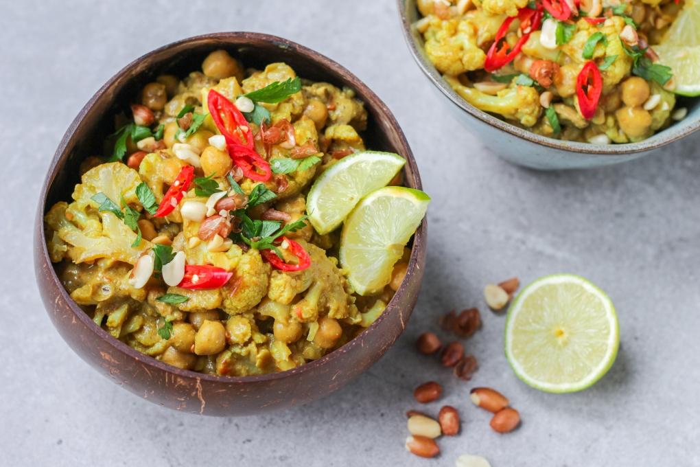 pinda-curry-bloemkool-kikkererwten-vega-vegan-personal-foodcoaching