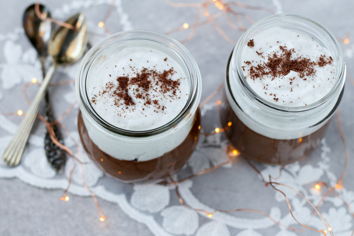 Chocolademousse met vanille-kokosroom