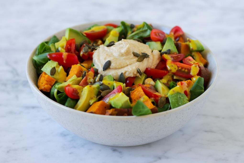 hummus-salade-bowl-personal-foodcoaching-zutphen